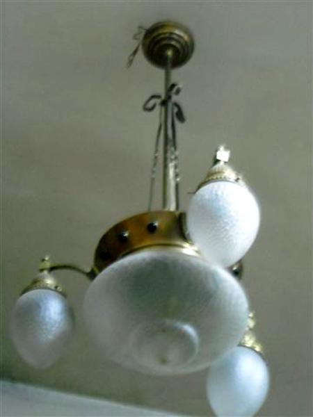 lampadario in rame : Lampadario liberty in rame con bocce a pigna
